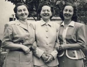 Supena Sisters Jolanka Felix Katulik, Marie Pracser, Helena Hrncirik, ca.1948